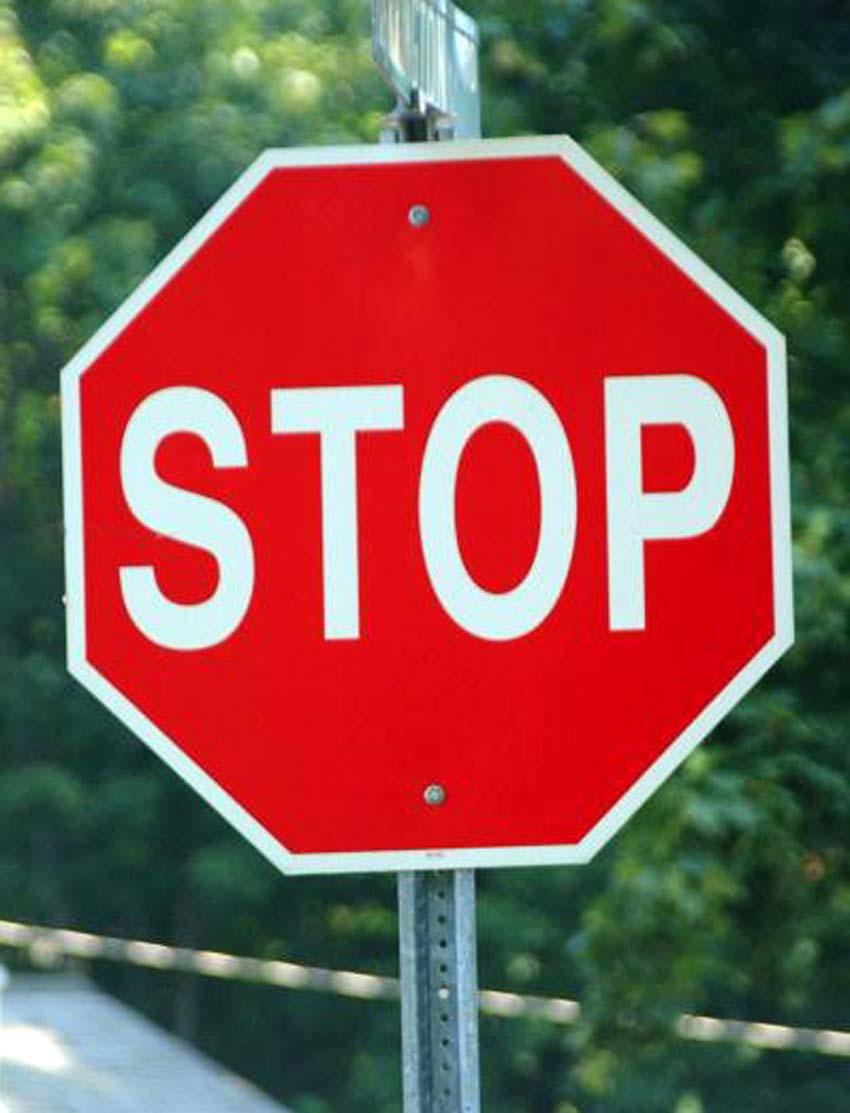 41_11_59---stop-usa-road-sign_web.jpg